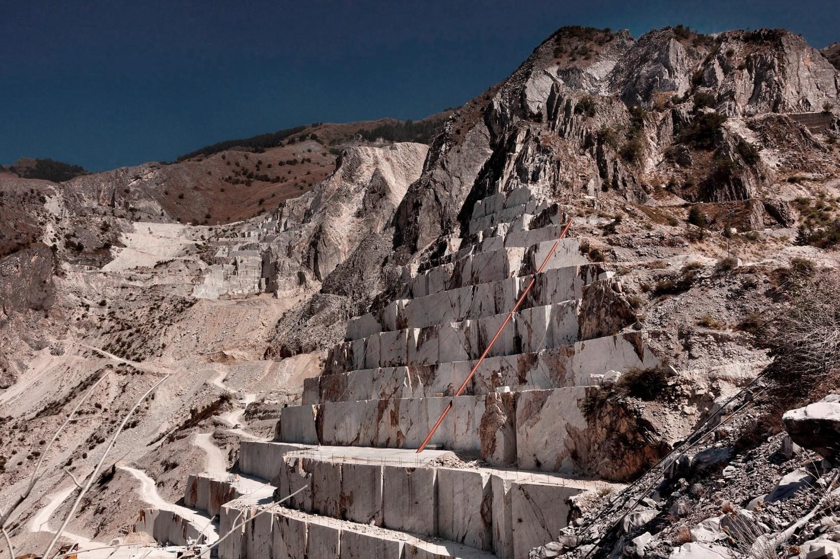 Illusione di Alberto Timossi, 2015 - Cave Michelangelo, Carrara - foto di Claudio Abate